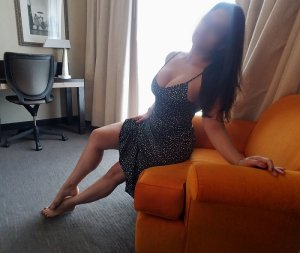 Yassamine live escort in Mitchell