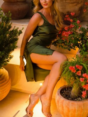 Lorelie escorts in Mount Vernon WA