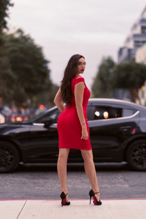 Janise escort girl in Petersburg